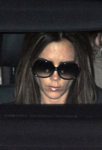 Victoria Beckham quittant le restaurant Maze à Londres, le 12 décembre 2012.