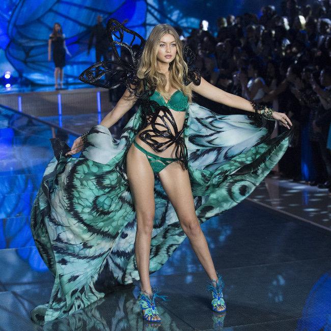 Gigi Hadid au défilé Victoria's Secret organisé le 10 novembre 2015 à New-York