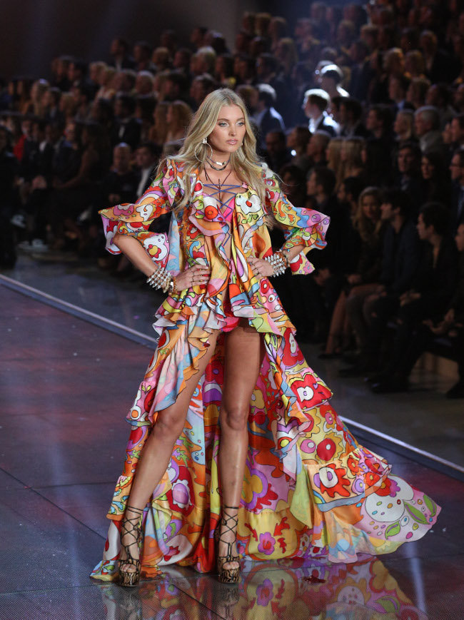 Elsa Hosk au Victoria's Secret Fashion Show organisé à New-York le 10 novembre 2015