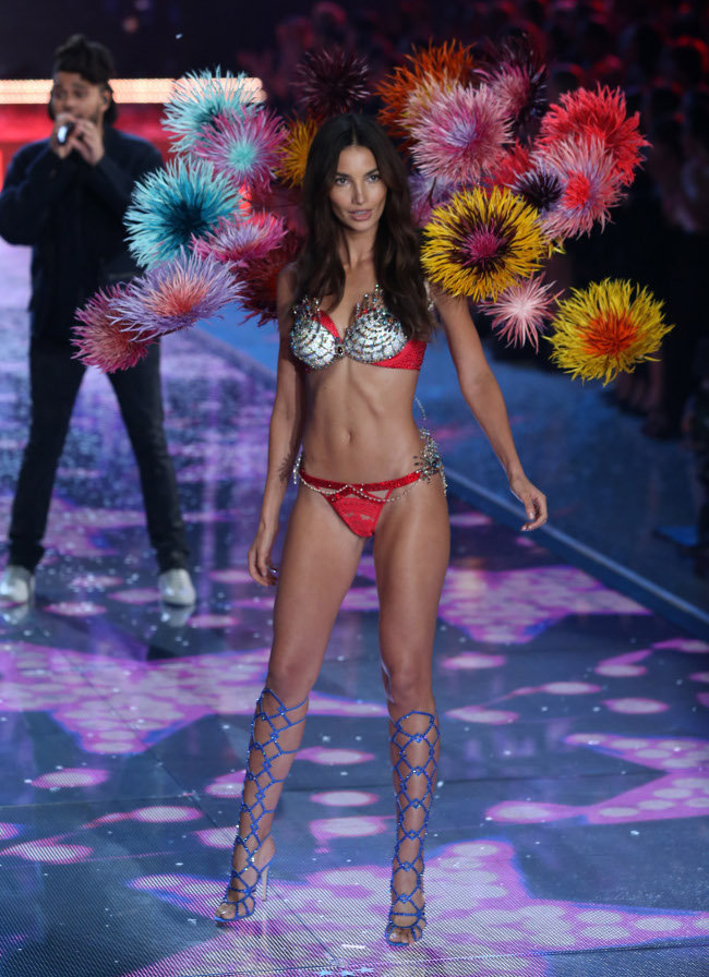 Lily Aldridge au Victoria's Secret Fashion Show organisé à New-York le 10 novembre 2015
