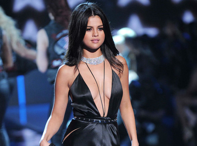 Victoria's Secret Fashion Show 2015 : Super sexy, Selena Gomez éclipse Ellie Goulding et The Weeknd !