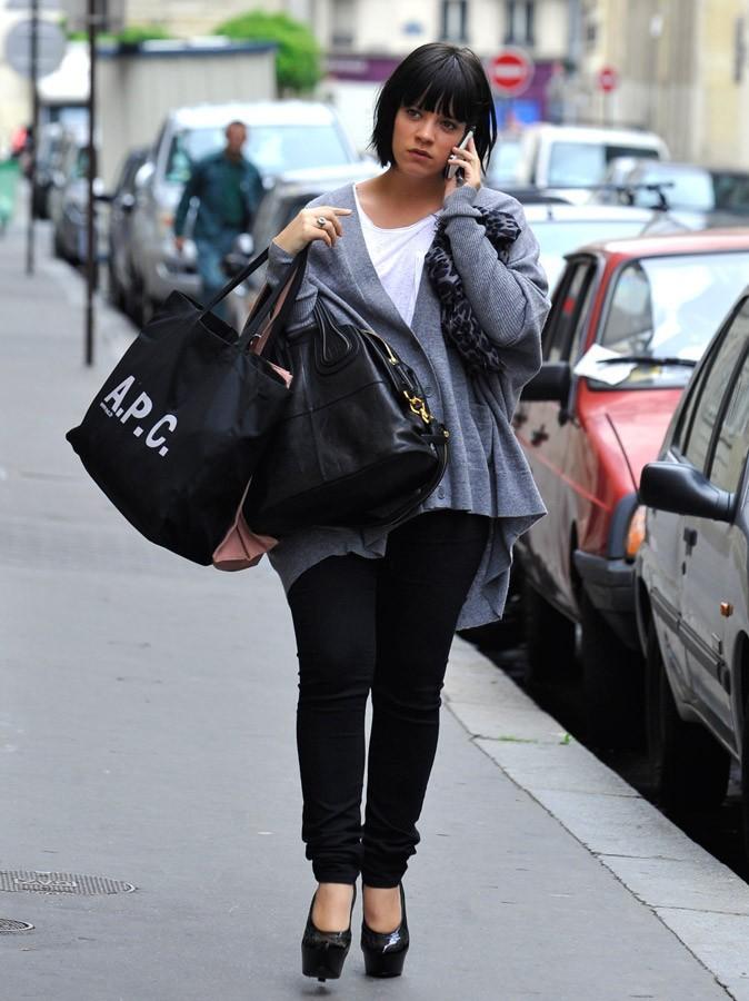 Photos : devine ce que je suis en train de faire ?! Ben, comment tu sais que je fais encore du shopping ?