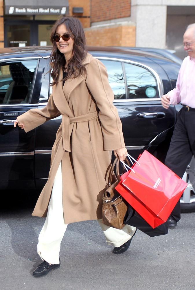 Photos : look décontracté pour Katie Holmes pendant le quart d'heure shopping !