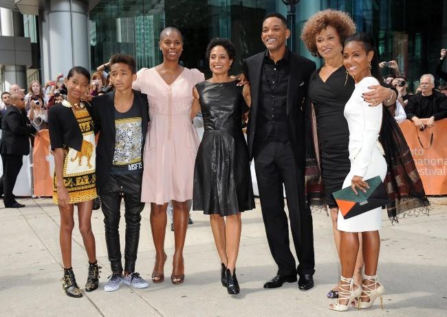 La famille Smith, Shola Lynch et Angela Davis au Festival du film de Toronto, le 9 septembre 2012.