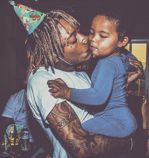 Photos : Wiz Khalifa : enfin autorisé à célébrer l'anniversaire de son fils !