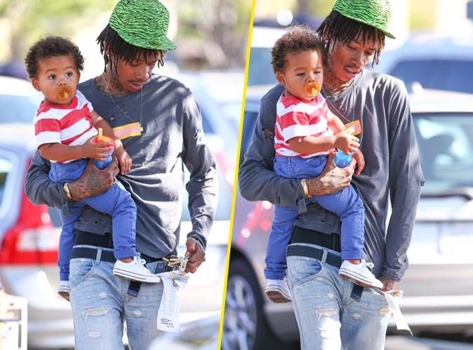 Photos : Wiz Khalifa : papa complètement gaga de son Sebastian !