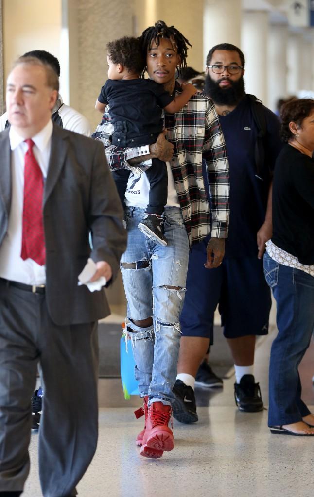 Photos : Wiz Khalifa : un papa gaga, inséparable de son adorable baby boy !