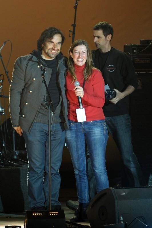 André Manoukian et Anaïs en concert à la Bastille suite à la victoire de François Hollande, le 6 mai 2012.