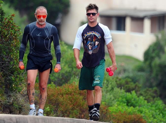 Zac Efron : il ne fait pas qu'entretenir sa silhouette de r�ve en Sardaigne, il flirt eaussi  avec... Michelle Rodriguez !