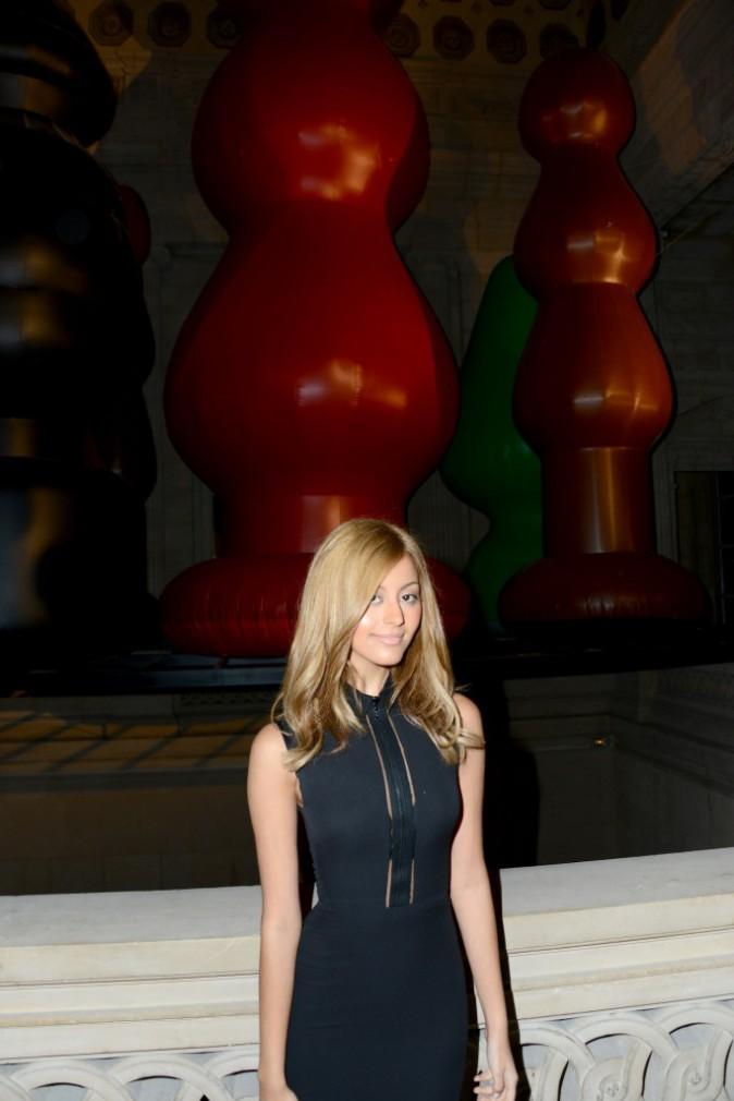 Photos : Zahia Dehar : l'Art ? Sa nouvelle passion !