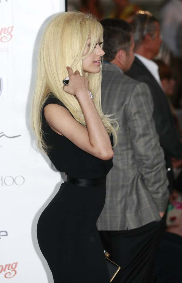 Zahia au Amber Lounge Fashion Show de Monaco !