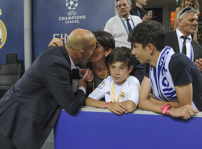 """Photos : Zidane """"grandiose"""" et en famille pour fêter la victoire !"""