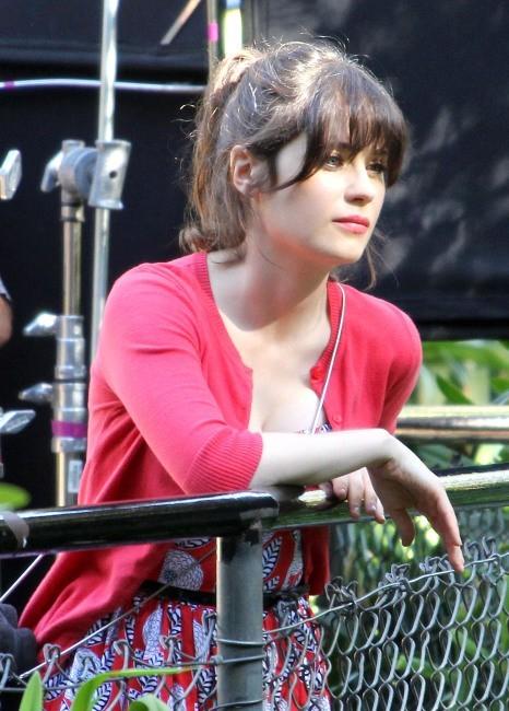 Zooey Deschanel le 15 octobre 2012 au zoo de Los Angeles