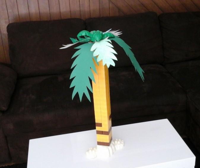 La rédac' de Public pour le défi : un palmier au milieu du salon ».