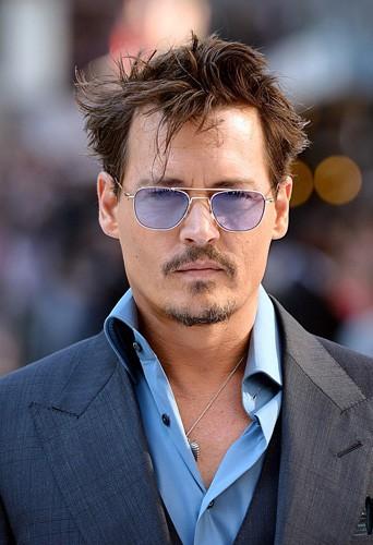 Quelle femme Johnny Depp a-t-il aimé en commun avec les autres hommes de ce quiz ?