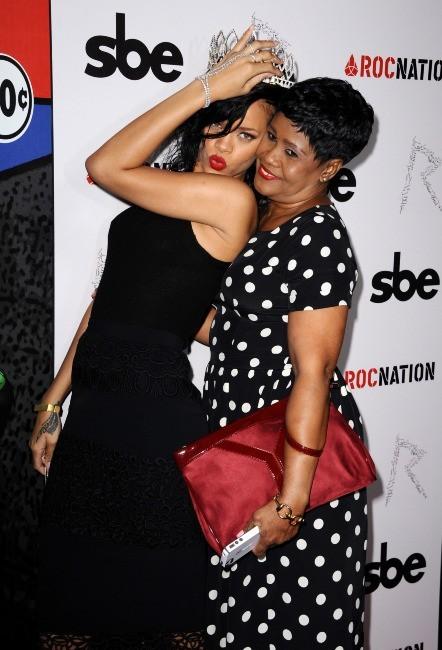 Rihanna et sa maman Monica, Hollywood, 31 octobre 2012.