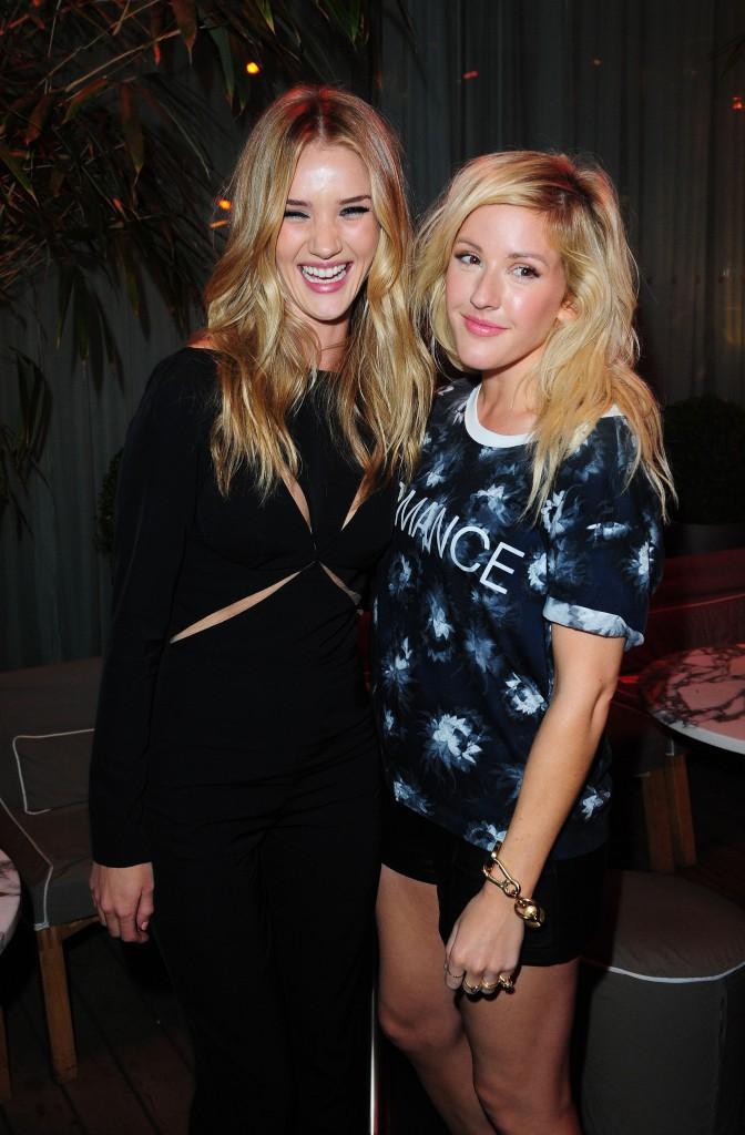 Rosie Huntington-Whiteley et la chanteuse Ellie Goulding à la soirée Elle magazine, lors de a Fashion Week à Londres, le 12 septembre 2013