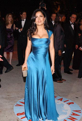 Salma Hayek toujours aussi sexy avec ses kilos !