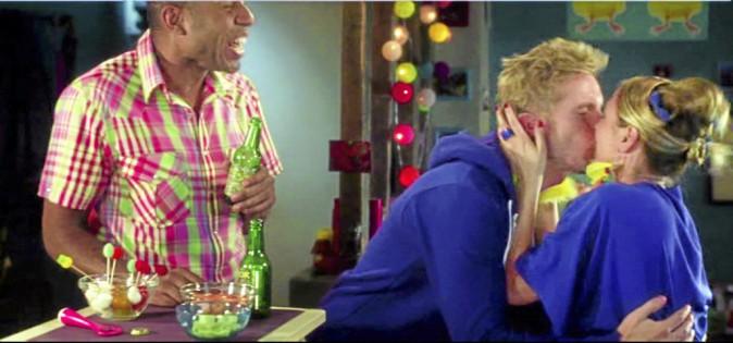 Fifi : Ah te voilà ! ma sœur chérie ! marion : Ah, tu es là, mon frère adoré ! Allez, machine à bisous !