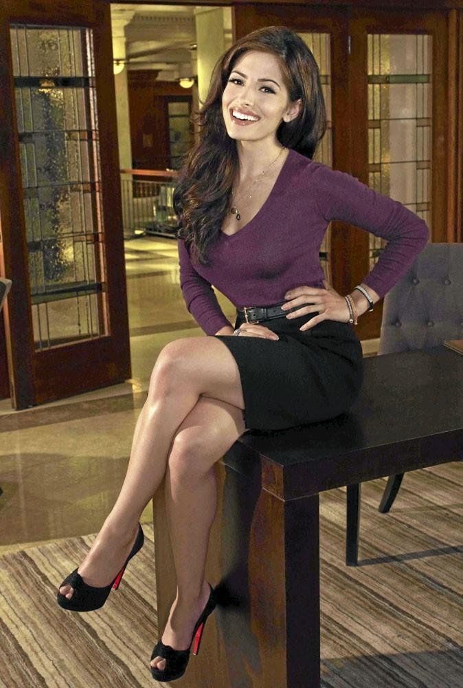 Série Facing Kate : une médiatrice comme Sarah Shahi, on en voudrait tous les jours !