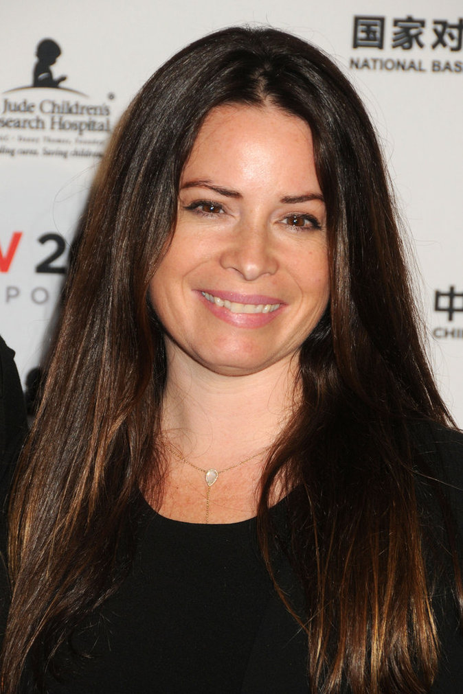 Holly Marie Combs, toujours souriante pour les photographes
