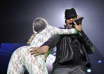 Birmingham 15/03/2013 : Ne-Yo : J'ai le droit de toucher, non