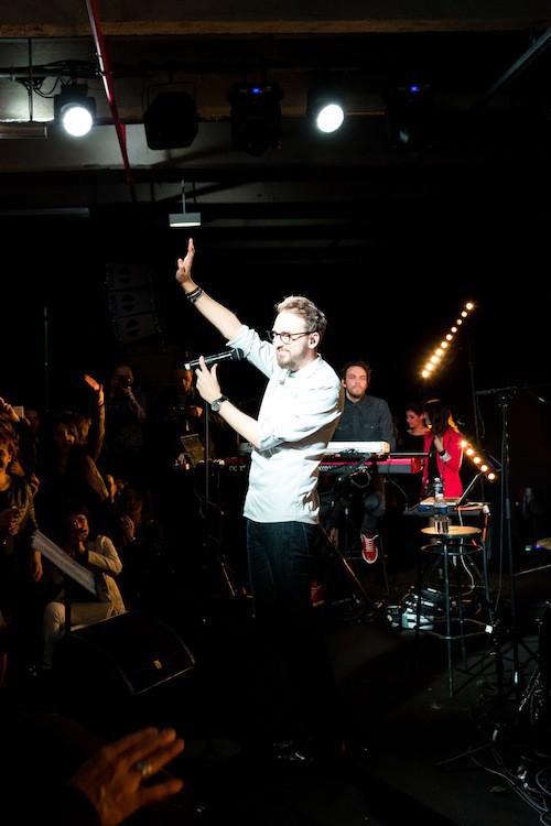 Christophe Willem en showcase pour les Hairdressing Awards 2015
