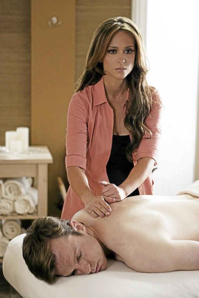 Les images de la série The Client List avec Jennifer Love Hewitt !