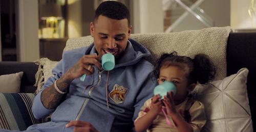 Vidéo : Chris Brown : découvrez ses nouveaux clips avec Royalty et Scott Disick ridicule !