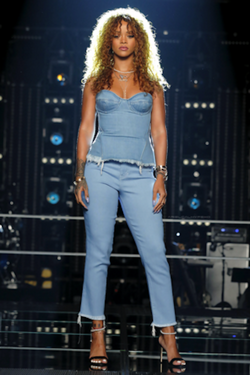 Vidéo : les premières images de Rihanna dans The Voice US !