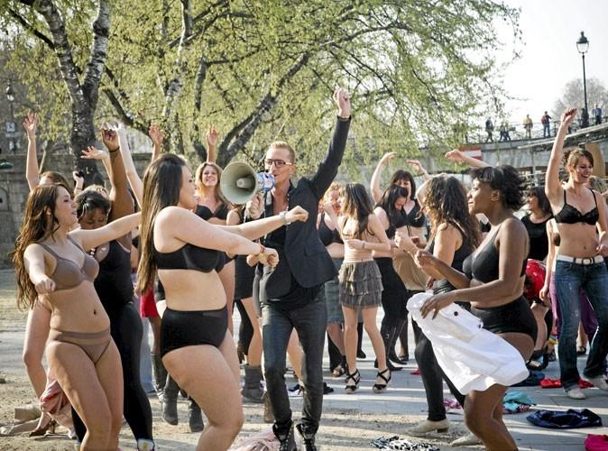 William Carnimolla a organisé un flashmob sur les quais de Seine