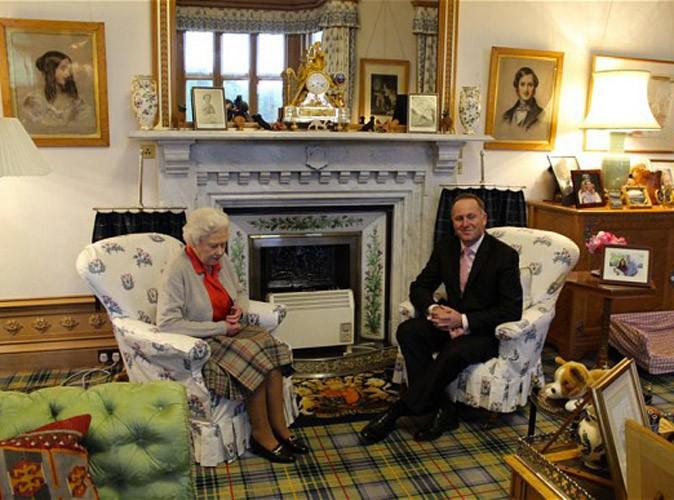 Prince George : il a sa place dans le salon d'Elizabeth II !