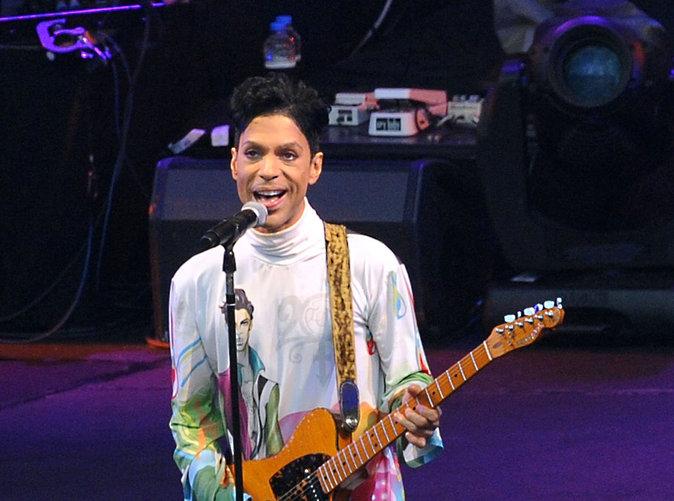 Prince : les secours l'ont retrouvé 6 heures après sa mort