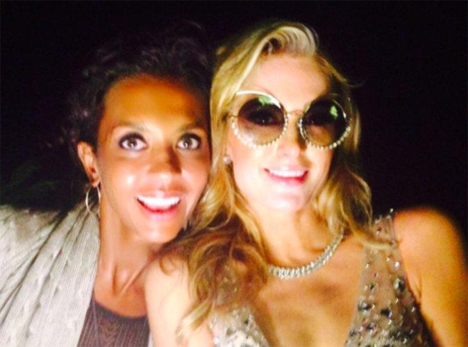 Quand Karine Le Marchand prend un selfie avec Paris Hilton, c'est magique !