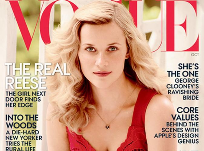 Reese Witherspoon : glamour en rouge, elle trône la nouvelle édition de Vogue !