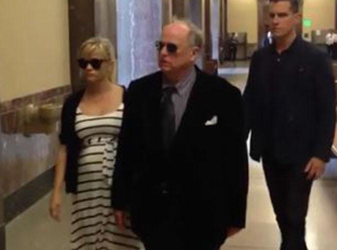 Reese Witherspoon : son père accusé de bigamie, elle doit témoigner !