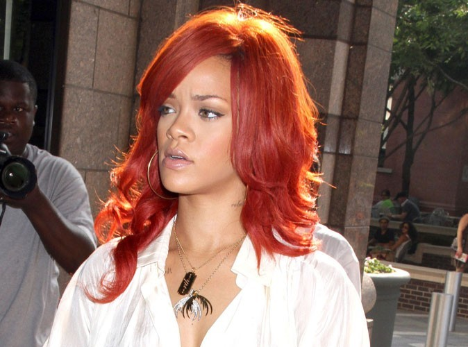 Rihanna : elle dépense 16 000 euros par semaine pour ses cheveux !