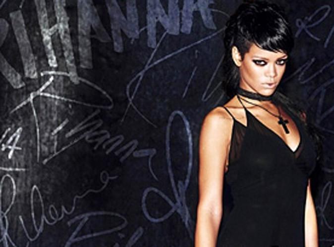 """Rihanna : elle dévoile la pochette de son single """"What Now"""" et emménage dans un appart' de luxe à New York !"""