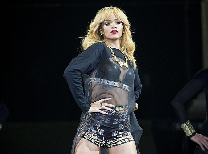 Rihanna : elle s'en prend à une journaliste qui avait dressé un portrait d'elle peu flatteur !