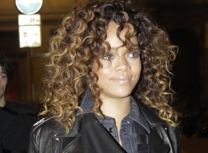 Rihanna : la sulfureuse chanteuse nous dévoile un piercing des plus intimes !