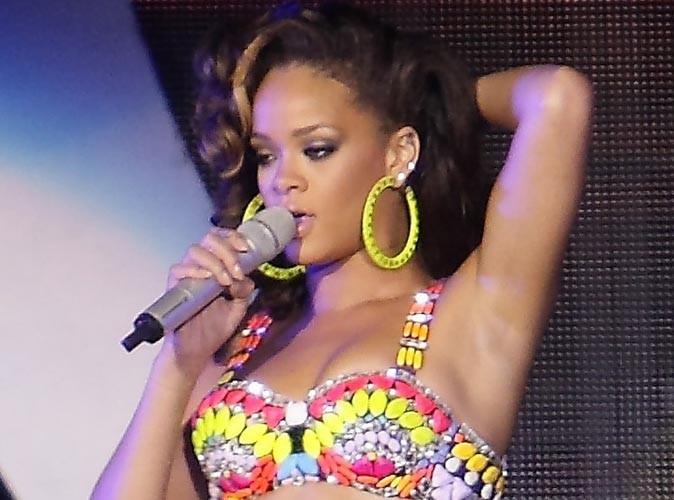 Rihanna : son frère se lance dans la chanson, écoutez !