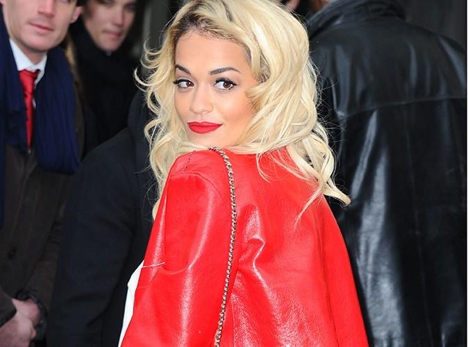 Rita Ora dévoile ses abdos !