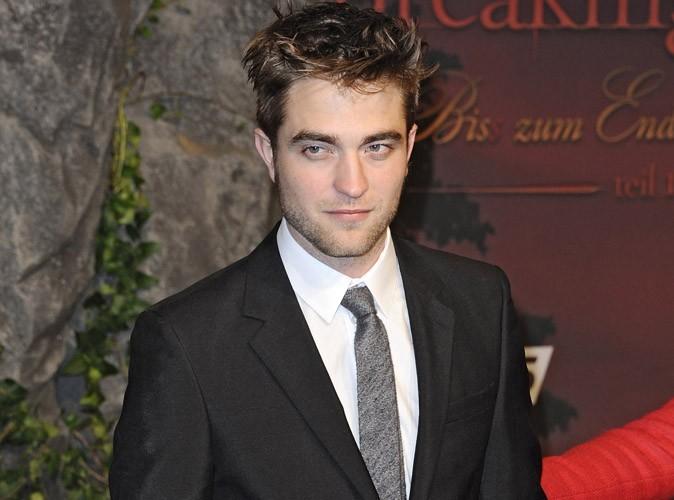 Robert Pattinson aurait honte de se montrer torse nu