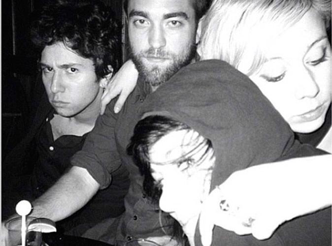 Robert Pattinson avait-il déjà remplacé Kristen Stewart avant leur rupture ?!
