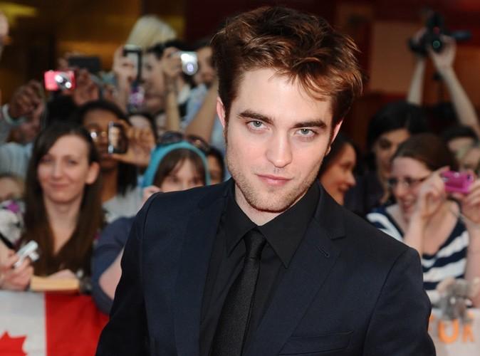 Robert Pattinson la tête à moitié rasée ! Le choc !
