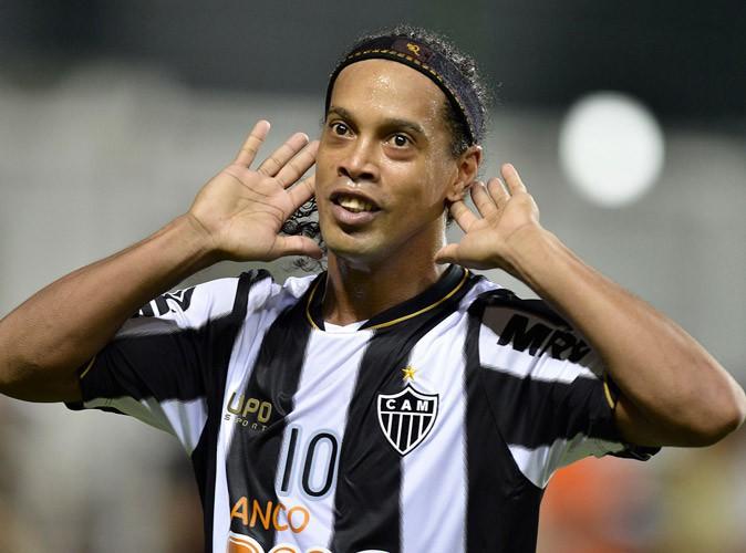 Ronaldinho : le footballeur se lance dans la chanson !
