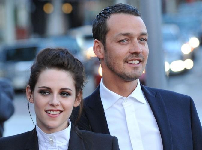 Rupert Sanders : l'amant de Kristen Stewart arbore fièrement son alliance…
