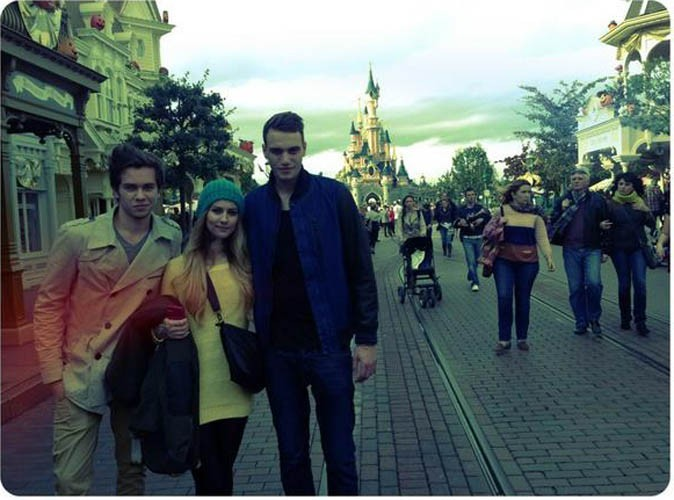 Secret Story 6 : Julien, Fanny et Sacha se retrouvent chez Mickey !