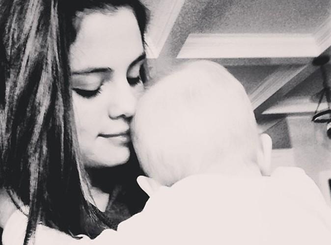 Selena Gomez : auprès des siens, elle revit et échappe au burn-out !