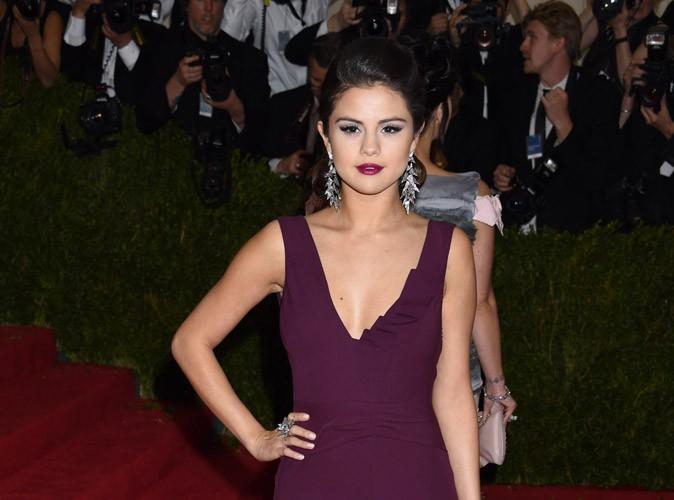 Selena Gomez : ses proches sont de plus en plus inquiets de la voir s'éloigner d'eux !